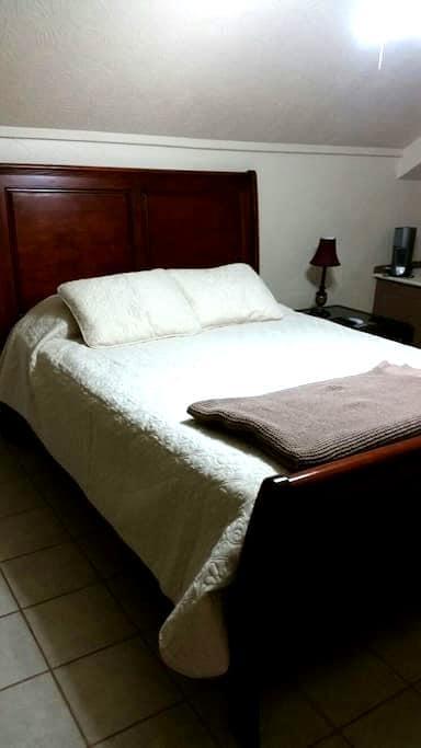 Private Bed & Bath & Pet Friendly - 博蒙特(Beaumont) - 独立屋