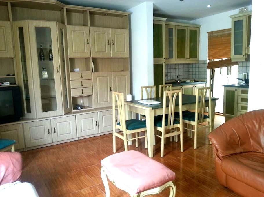 Room close to St julians & Schools - Is-Swieqi - House
