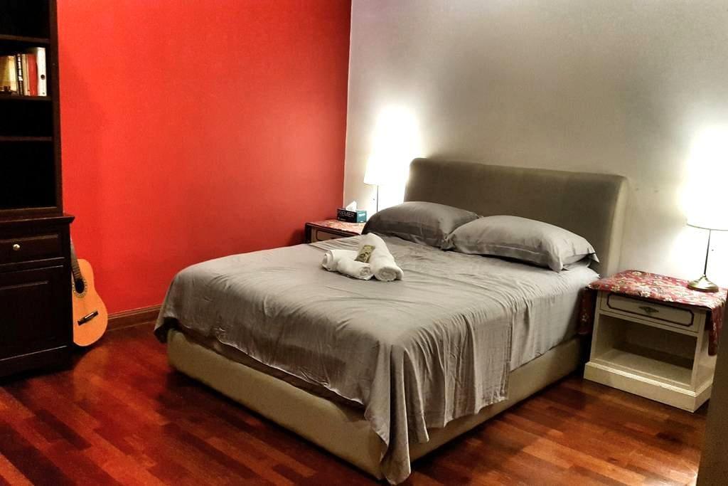 Charming room w luxurious mattress and beddings - Kuala Lumpur