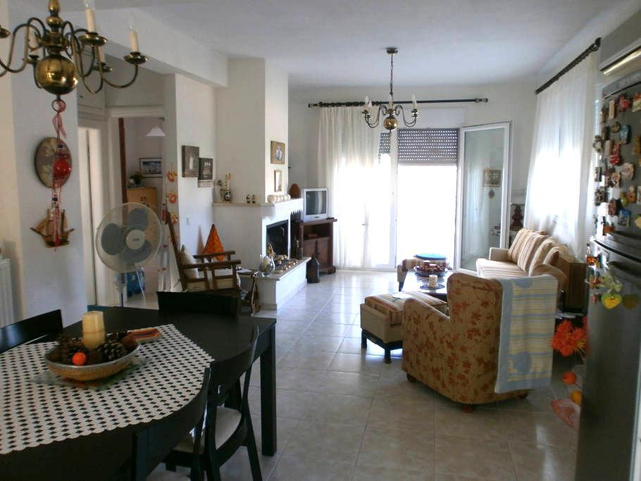 New apartment, lovely garden in Kalandra 5min sea - Kalandra - アパート