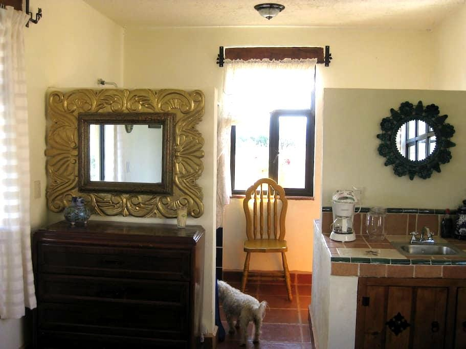 ERANDENI - Sunrise - quiet country living. - San Pedro Pareo - Bed & Breakfast