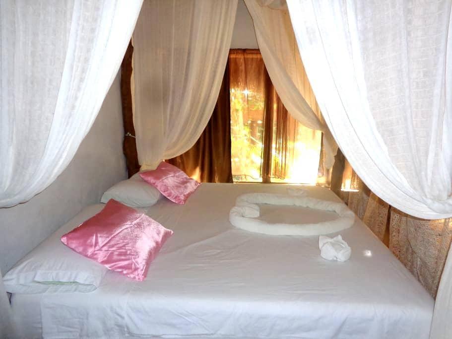 Romantic Cavaña in the Jungle - Tulum - Bed & Breakfast