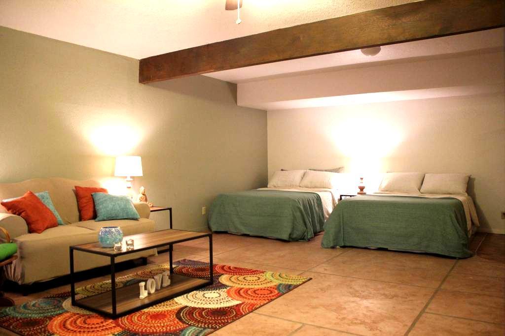 Apartment Suite Sleeps 3-6 Kitchen & Outdoor Patio - Sedona - Apartment