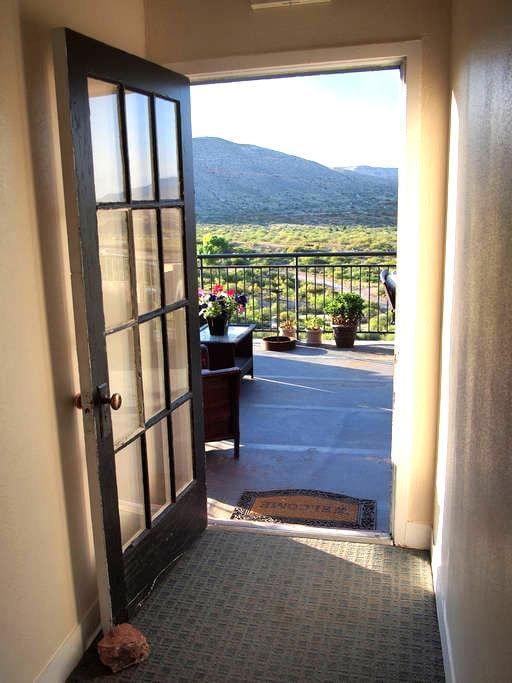 Sunny corner retreat: The Clarkdale Lodge 208 - Clarkdale