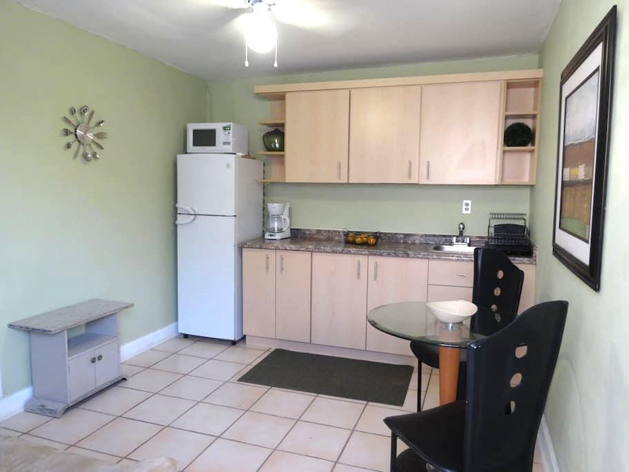 Apt. clean-cozy FIU 2.6 ml - Miami - Apartemen