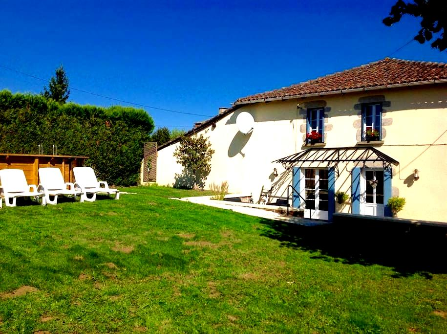 Petite Aucher - Three bedroom Cottage - Lesterps - House