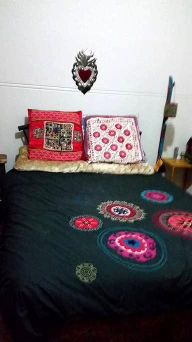 Close to everything fun and edible! - Stanmore - Apartment