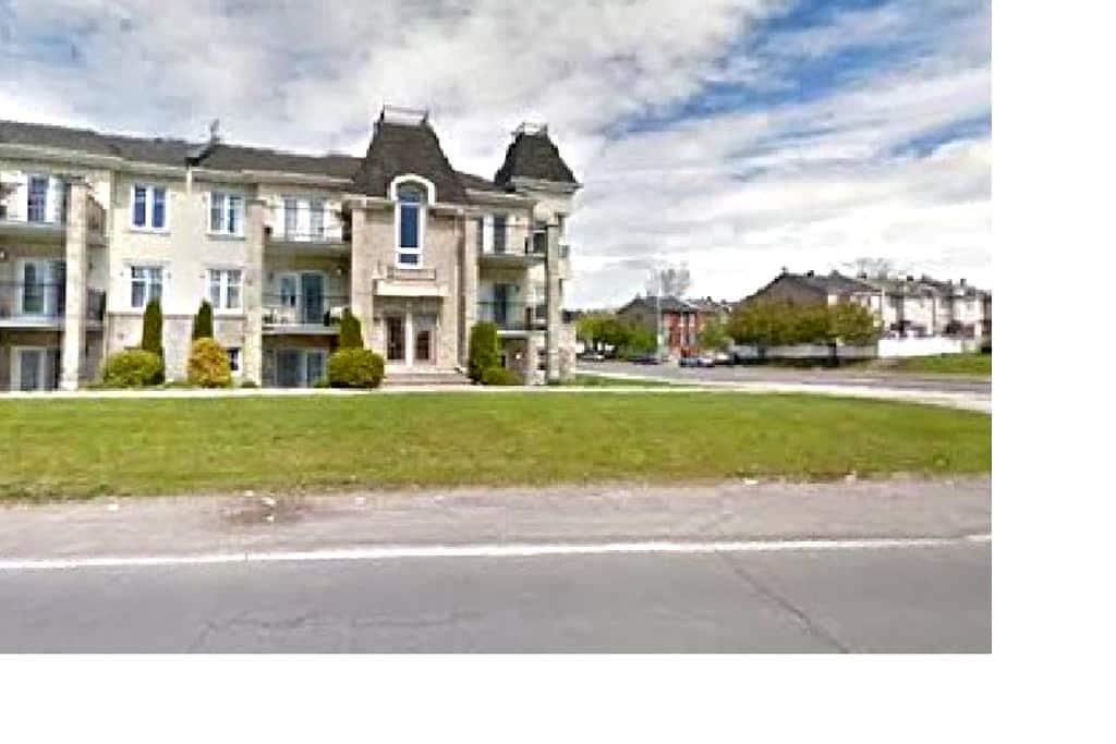 Condo De Luxe/luxury condo 4 1/2 - Laval - Apartment