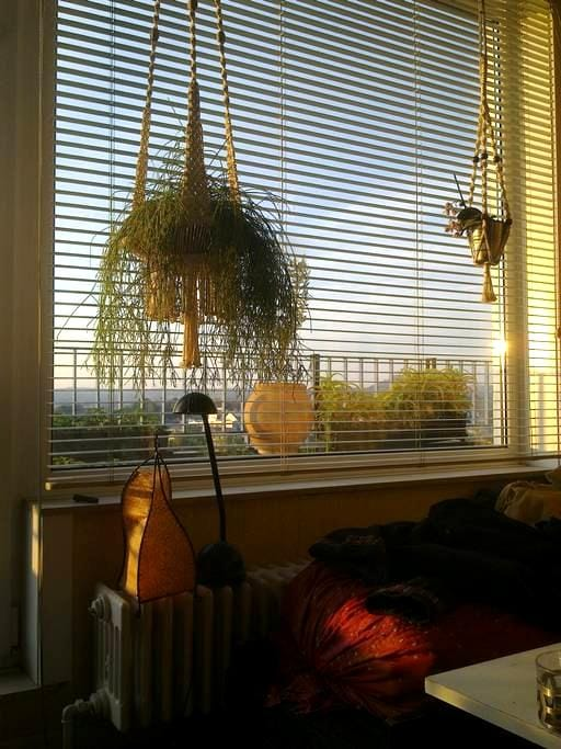 A sunny room. - Charleroi - Appartement