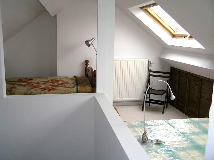 Nice luminous room, close to center of Brussels. - Ixelles