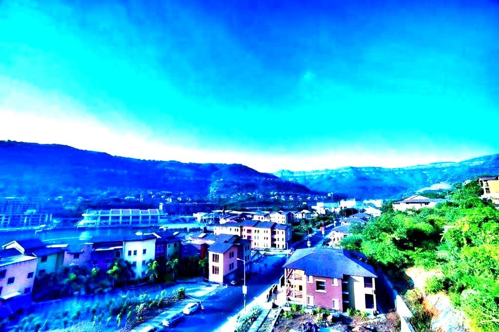 Lovely hill facing apartment - Lavasa - Byt