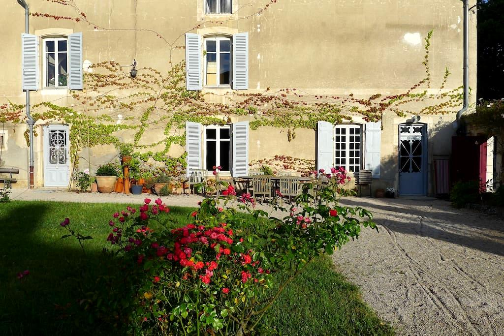 "Le ""Ballon Rouge"", chambre charmante et modulable - Fontaines - Bed & Breakfast"