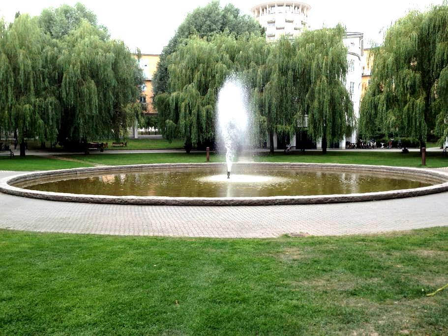 Central location in beautiful park! - Estocolmo - Bed & Breakfast