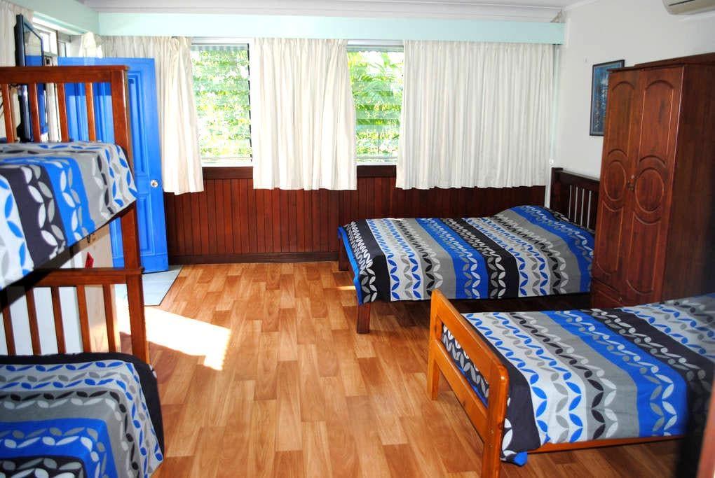 Jacks Room - Malak