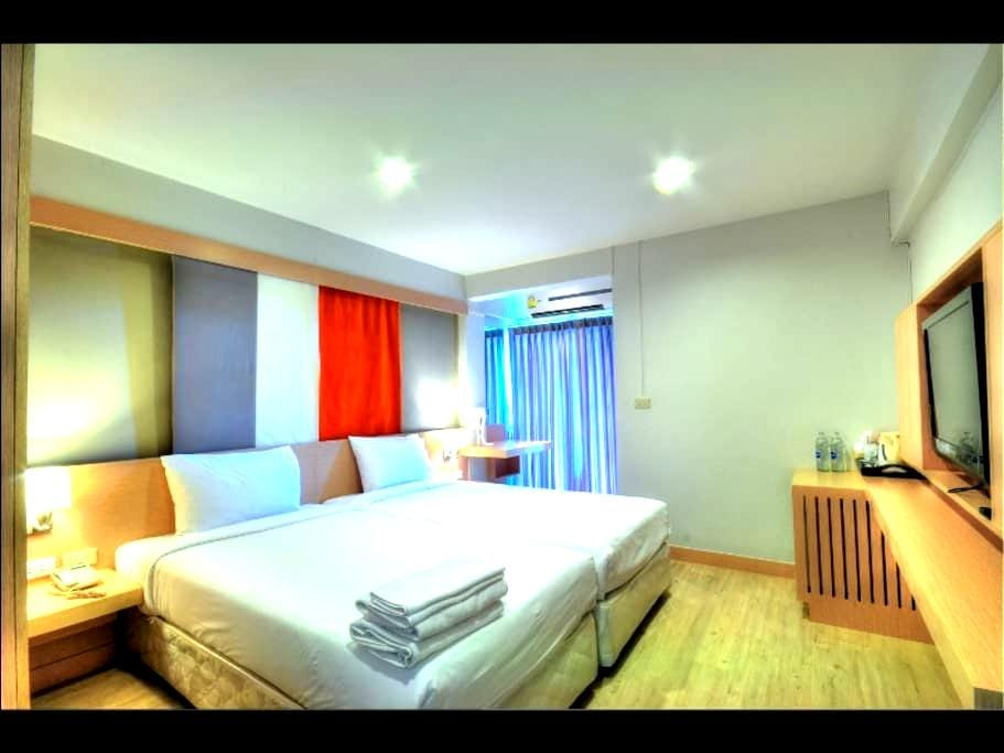 Superior DBL/TWN+FREE Transfer - Bangkok - Apartment