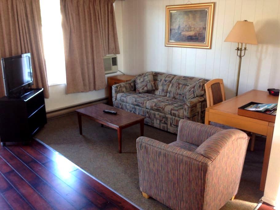 2 Bedroom Suite - Port Alberni - Apartment