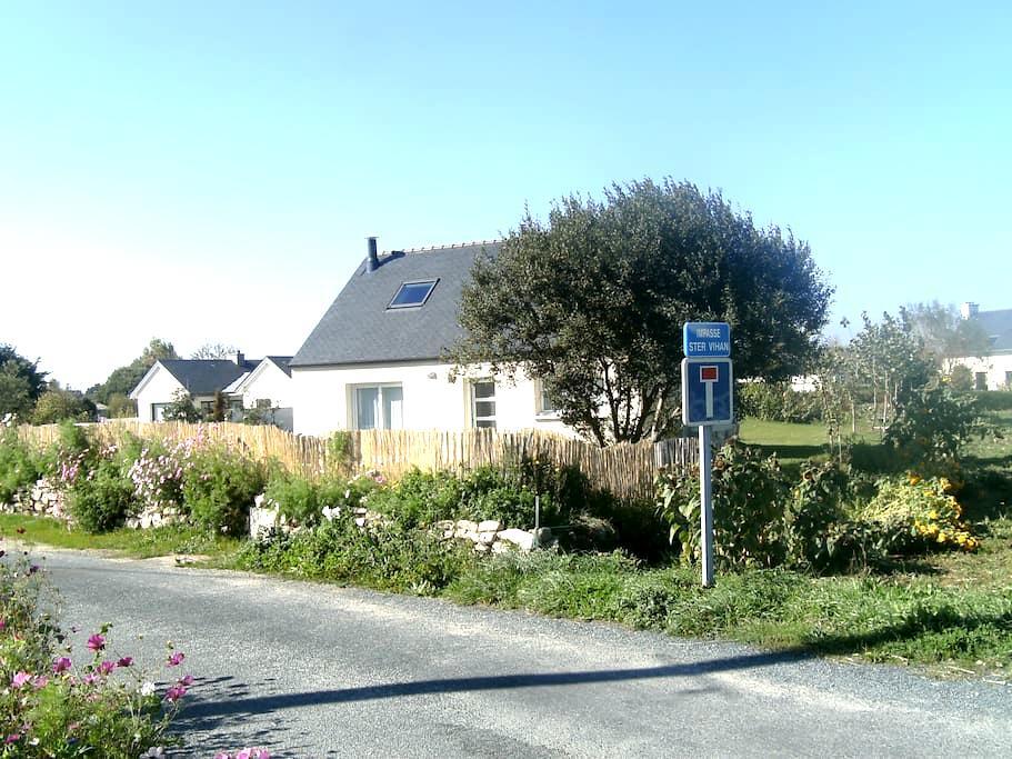Location maison complète avec jardin et terrasse - Penmarch - House
