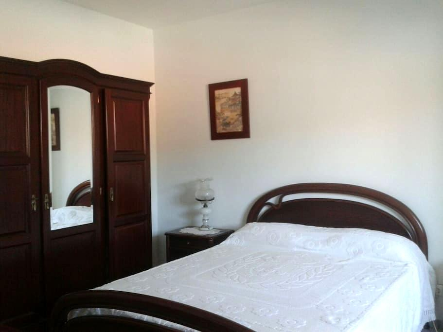 Quartos entre Óbidos e Peniche - Amoreira - Huis