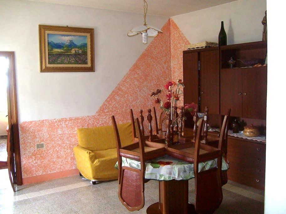 Casa in collina vista  mare Paestum - Altavilla Silentina