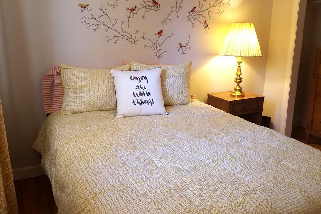 Comfy single room with shared bath - Centennial - Talo