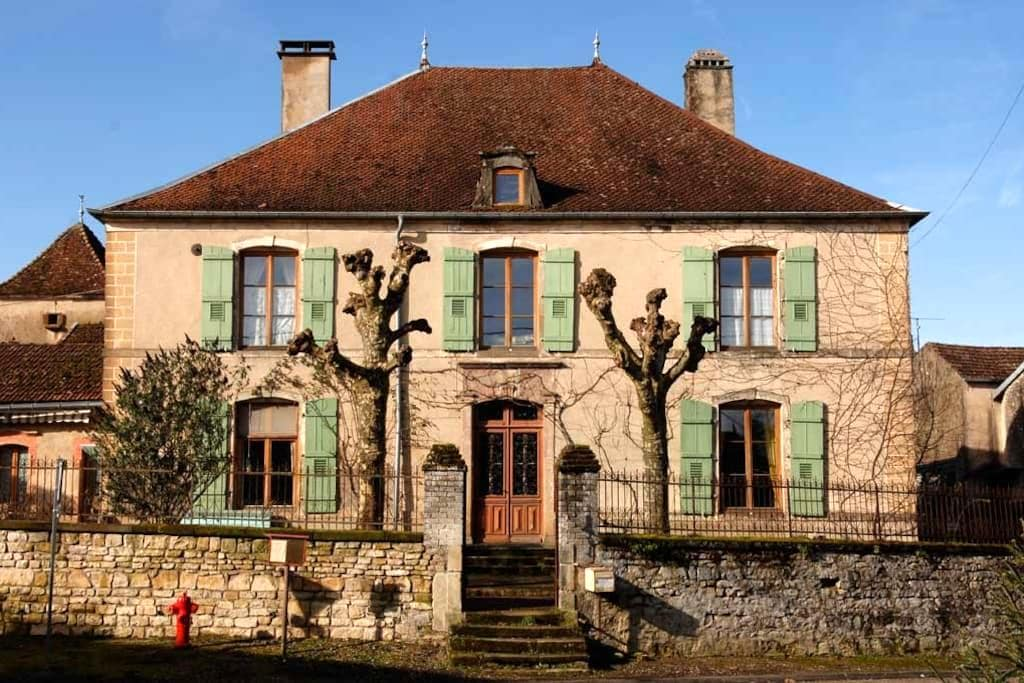 Romantic countryside manor - Bourbévelle