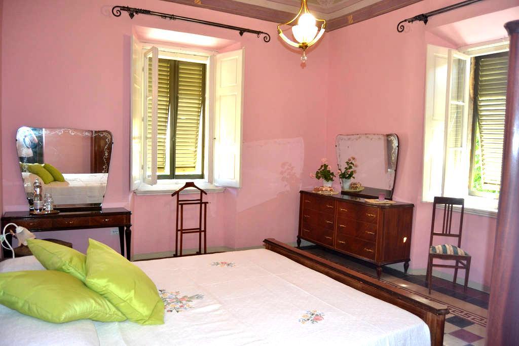 Double/Triple room (+ crudle) - Montescudaio