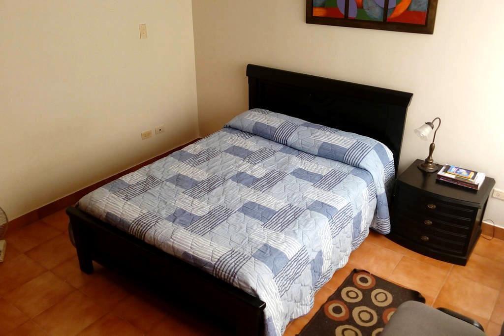 Habitación#3 zona centro cama doble - Roldanillo - Apartamento