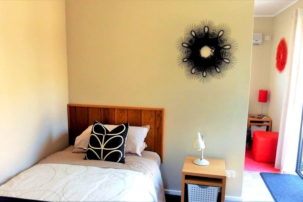 Solo Studio with Kitchen & Mountain Views - 瓦纳卡(Wanaka) - 其它