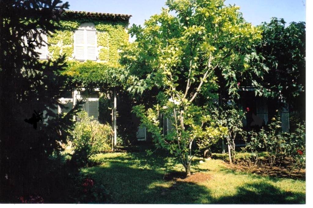 Chambre indép. à 2 pas de la mer - Villeneuve-Loubet