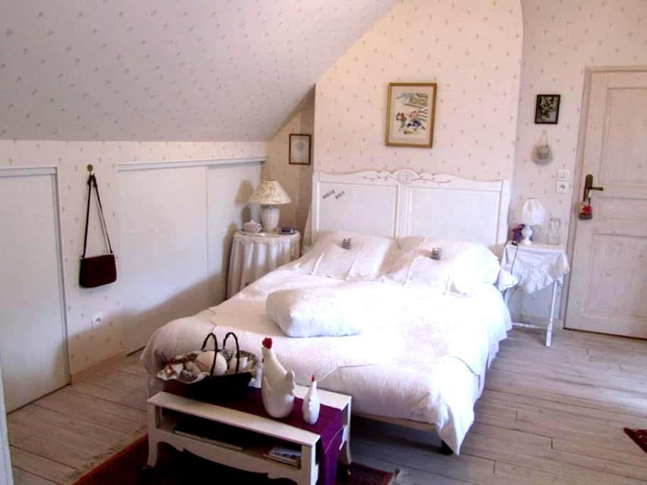 Romantic garden house - Saint-Hippolyte - Hus