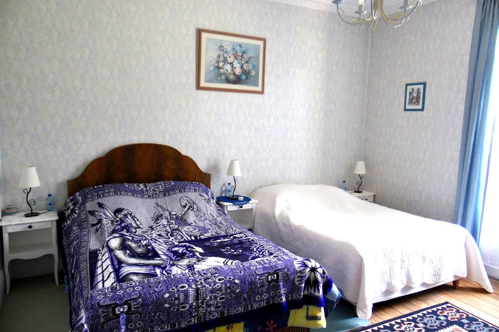 CHAMBRE CHEZ L'HABITANT - Mainneville - Bed & Breakfast