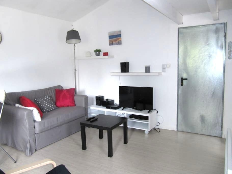 One bedroom appartement - Saint-Loubès - Huoneisto