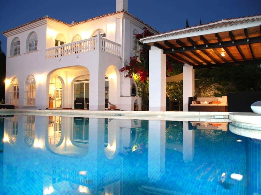 Villa Axarquia / Malaga - Moclinejo
