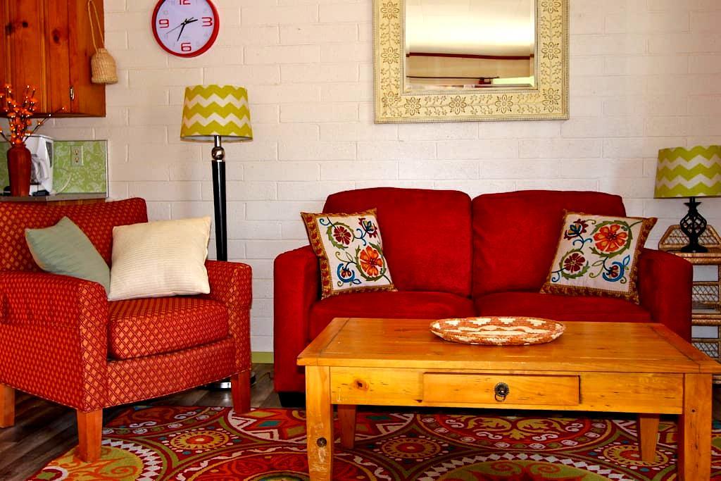Colorful & Comfortable 1BD Suite M - Moab - Byt
