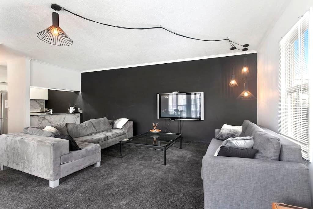 2br Spacious & modern in Southbank - เซาท์แบงค์ - อพาร์ทเมนท์