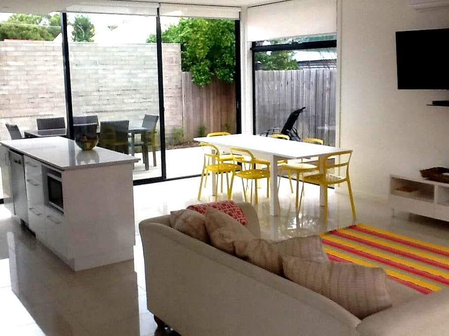 Town House. Centrally located - Barwon Heads - Apartment