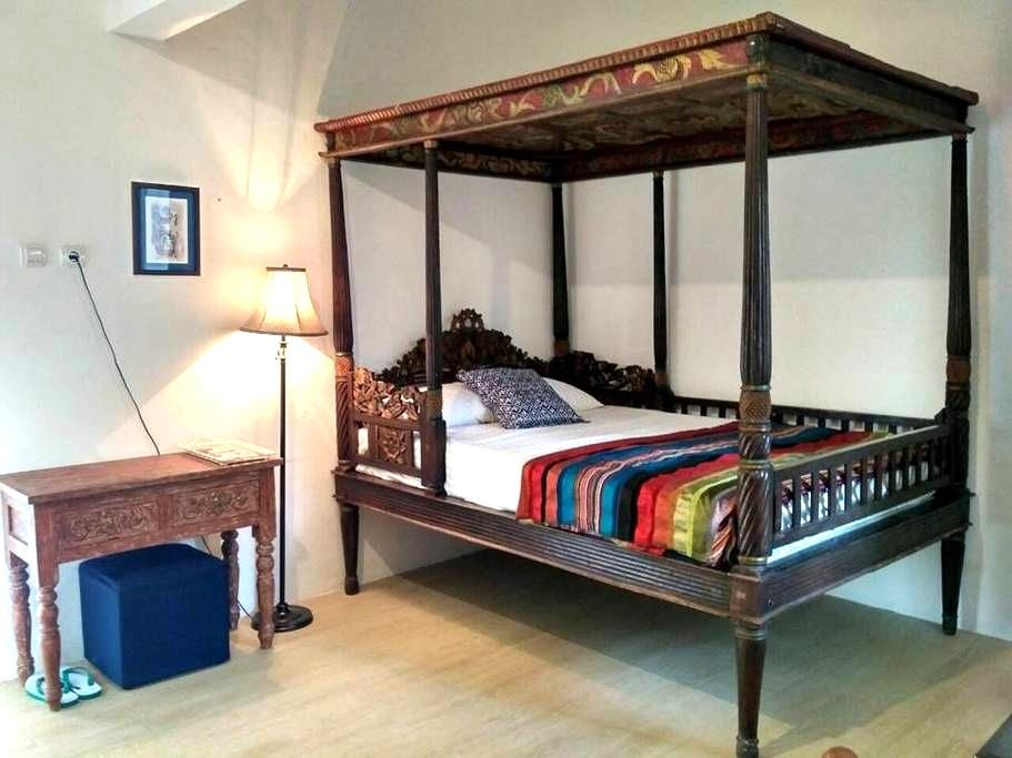 The Maharajo Jakarta Guesthouse, The Moroccan Room - Cilandak - Guesthouse
