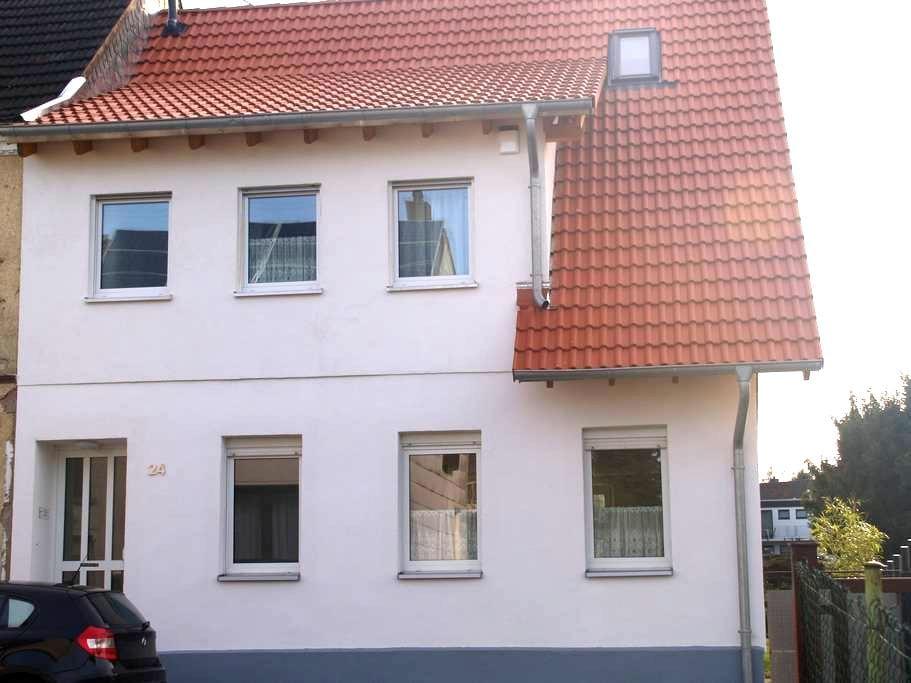Schöne Wohnung in Bexbach - Bexbach - Apartament