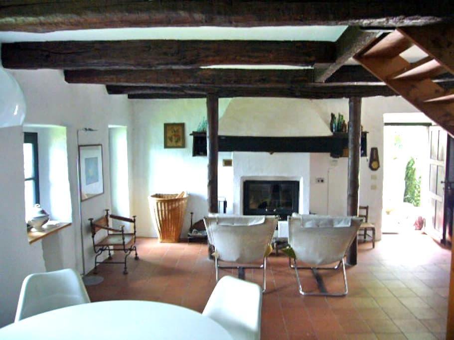Rustico mit traumhafter Aussicht - San Bartolomeo - House