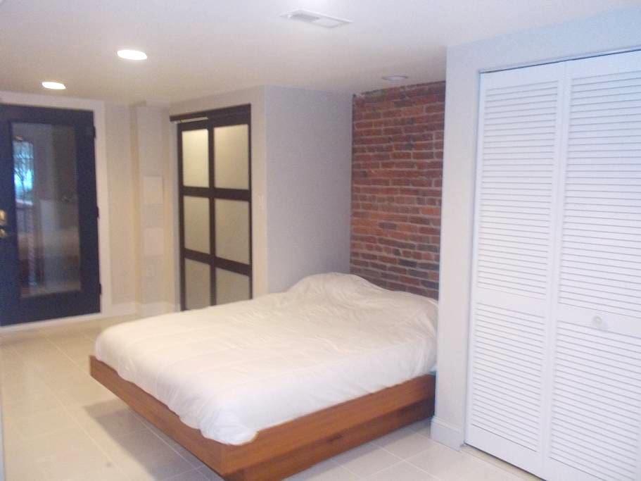 Brand new apartment & garage gym, 3 blks to metro - Washington