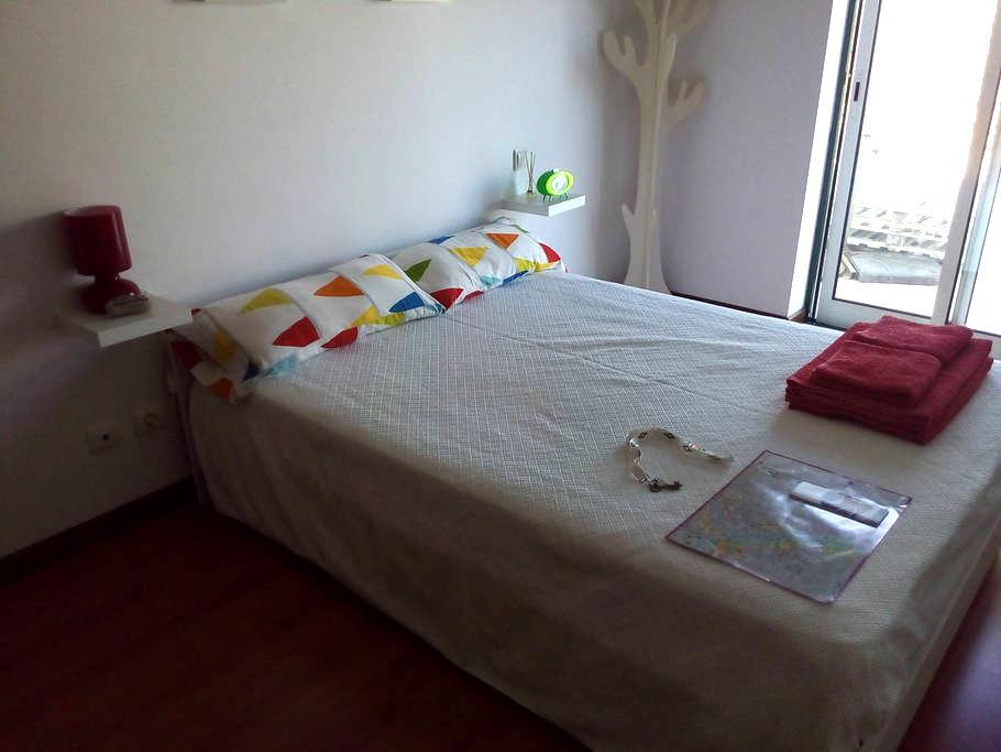 Silenciosa Suite c/ Terraço - White Room - Huoneisto
