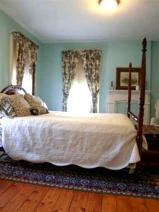 Eddyville Wheel House (2 Bedrooms) - Kingston - Huis