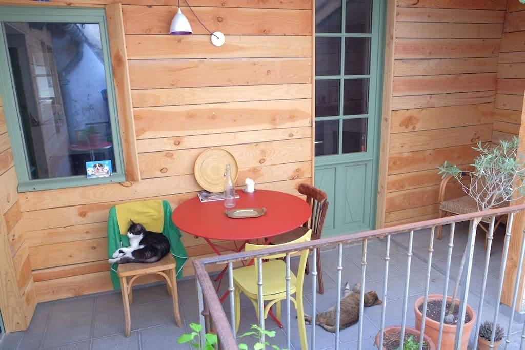 Chambre dans maison avec terrasse - Cahors - Dům