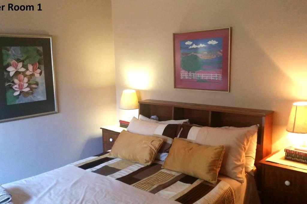 1 Private room in sea side house (Room 1) - เคปทาวน์ - บ้าน