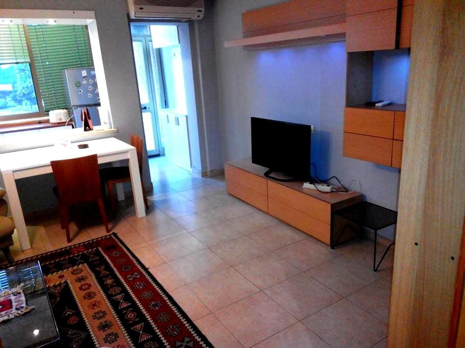 Cozy 1 BED Apt in PREMIUM LOCATION - Tiranë - アパート