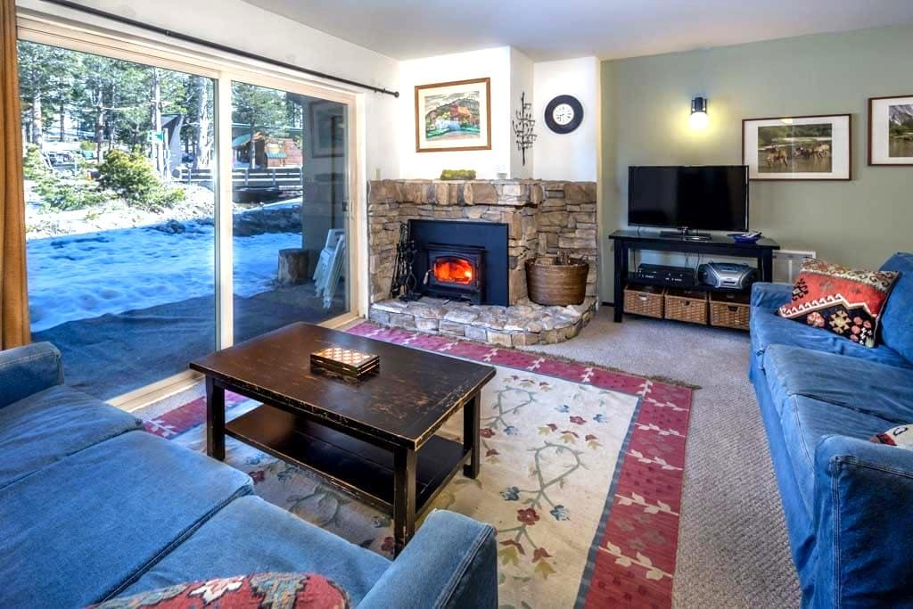 1 Bdrm, sleeps 4, Ski-In/Out! - Kirkwood