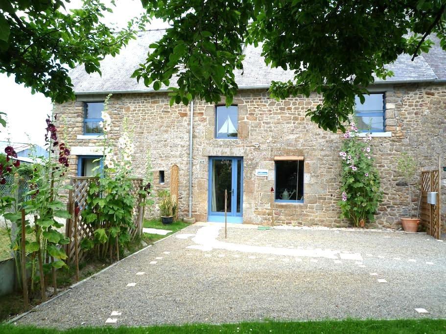 Maison 100m2 Mont Saint Michel - Roz-sur-Couesnon - Casa