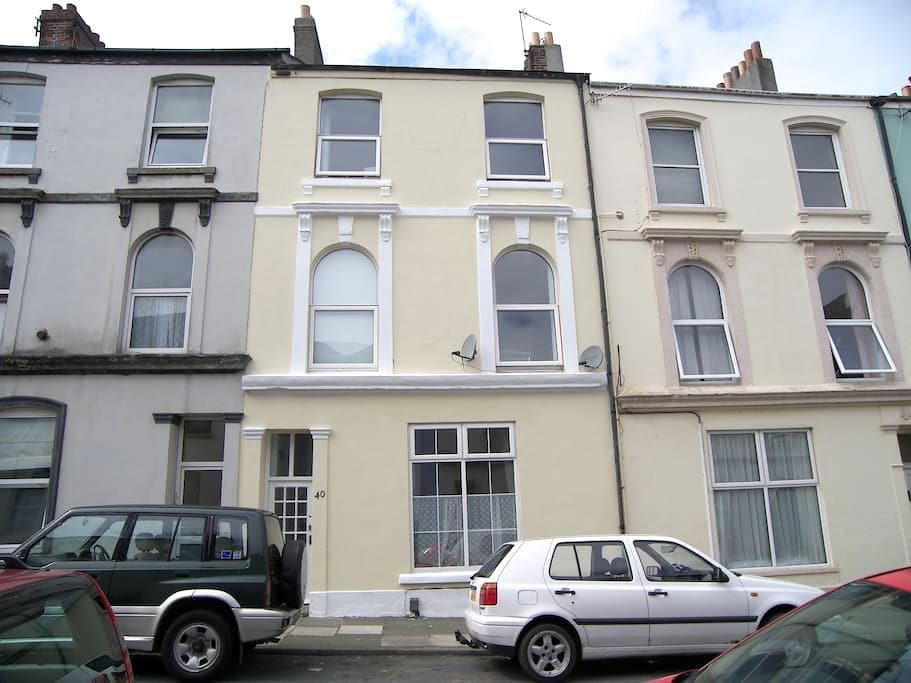 Comfortable Victorian town house close to the sea - Plymouth - Bed & Breakfast
