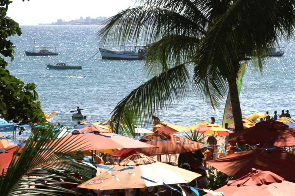 """Salvador Pousada """"Ouriço do mar"""" em frente a praia - Itapuã"""