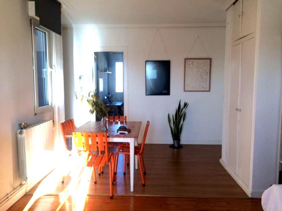 Habitación en ático - Pamplona - Leilighet